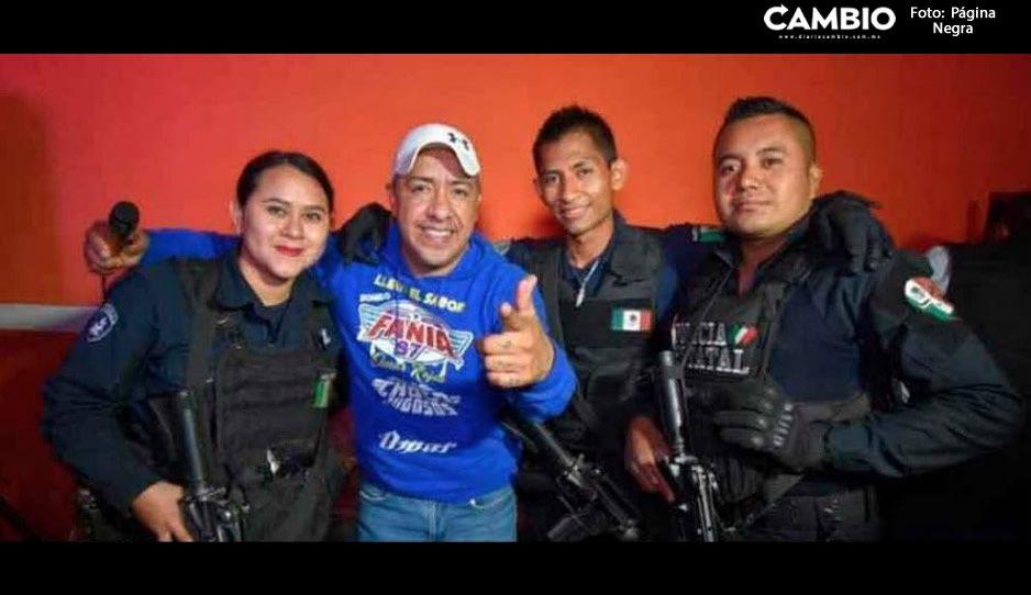 Policías Estatales son fan de Fania 97: dejan labores por tomarse una selfie