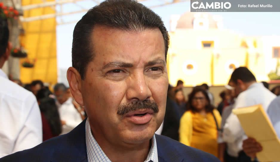 Luis Alberto Arriaga levanta la mano para ser dirigente estatal de Morena