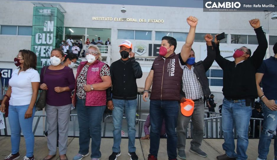 Biestro, Nora y Bracamonte encabezan marcha morenista: llegan al IEE y advierten que no se irán (FOTOS)