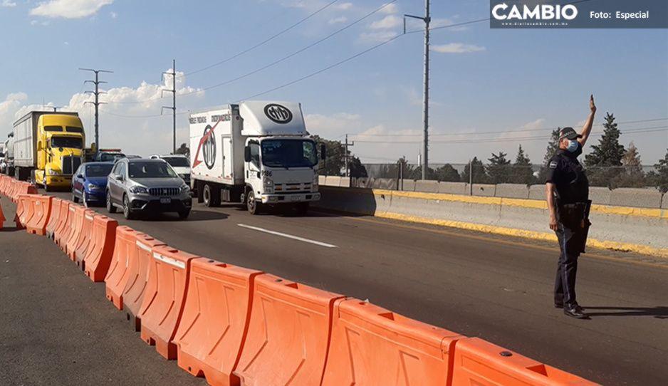 Manifestantes bloquean la México-Puebla por falta de obras públicas