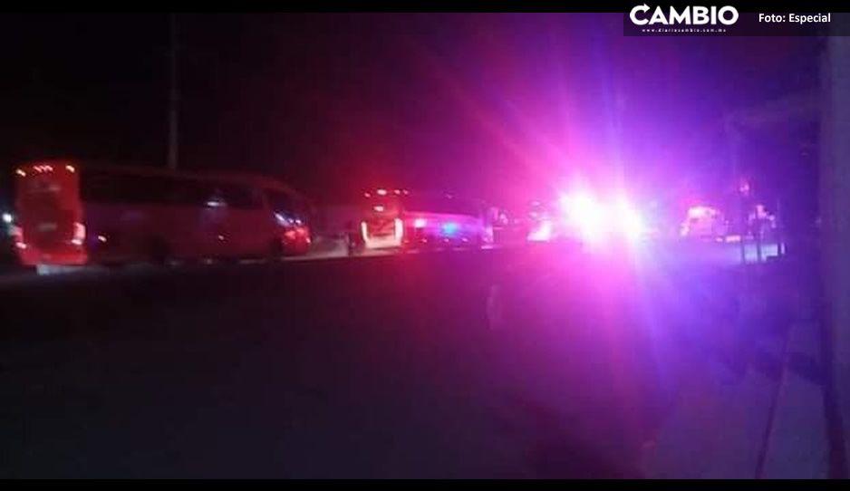 Ladrón muere tras aventarse del camión que asaltó en la federal Teziutlán – Amozoc