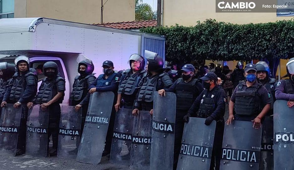 VIDEO: Con blindaje de la Policía Estatal, trasladan boletas electorales del Distrito 20 al IEE