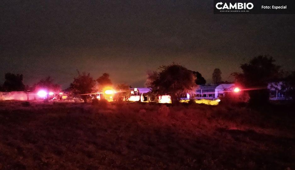 Hombre detenido en riña campal, desarma y mata a dos policía en Teotlancingo (IMÁGENES SENSIBLES)
