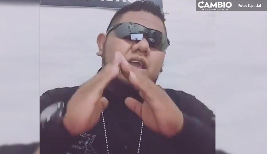 VIDEO: Policía de Coxcatlán realiza TikToks, lo corren por no trabajar