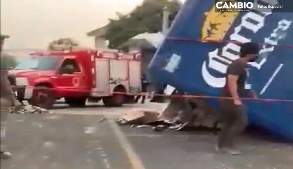 ¡Fatal accidente! Dos trabajadores de Corona mueren tras volcadura en carretera Esperanza (VIDEO)