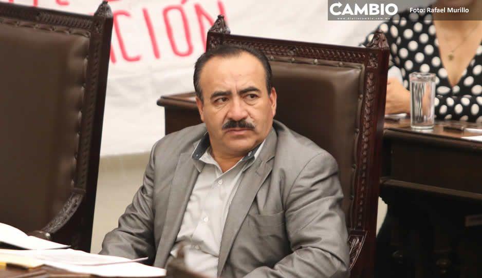 Acusan a Arturo de Rosas de fraude: se embolsó más de medio millón prometiendo apoyos sociales