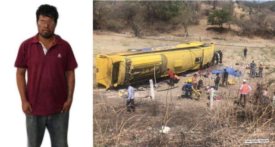 Pasajero que provocó volcadura mortal del autobús Oro se quita la vida dentro de su celda