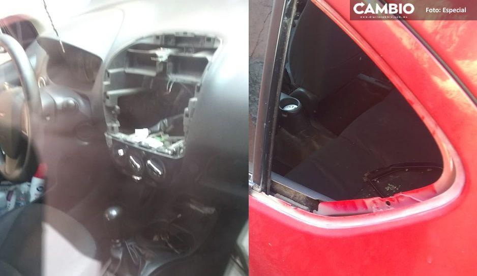 Cristalazo en la Juárez a plena luz del día: se roban estéreo y faros de automóvil estacionado (FOTOS)