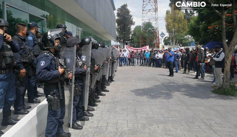 Habitantes de Coyomeapan protestan en Tehuacán; exigen liberación de tres líderes