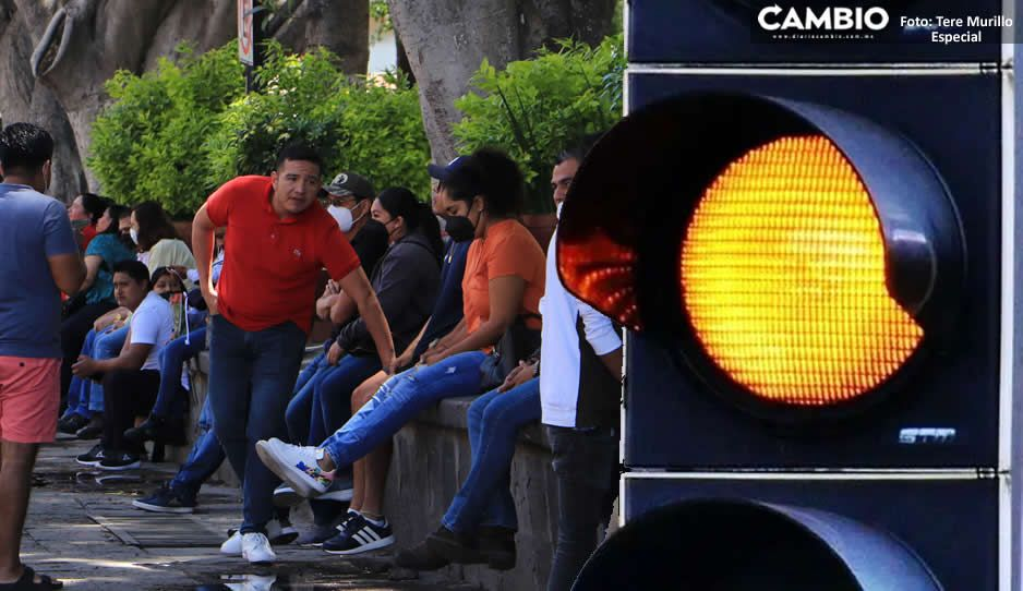 Puebla pasa a semáforo COVID amarillo con tendencia estable