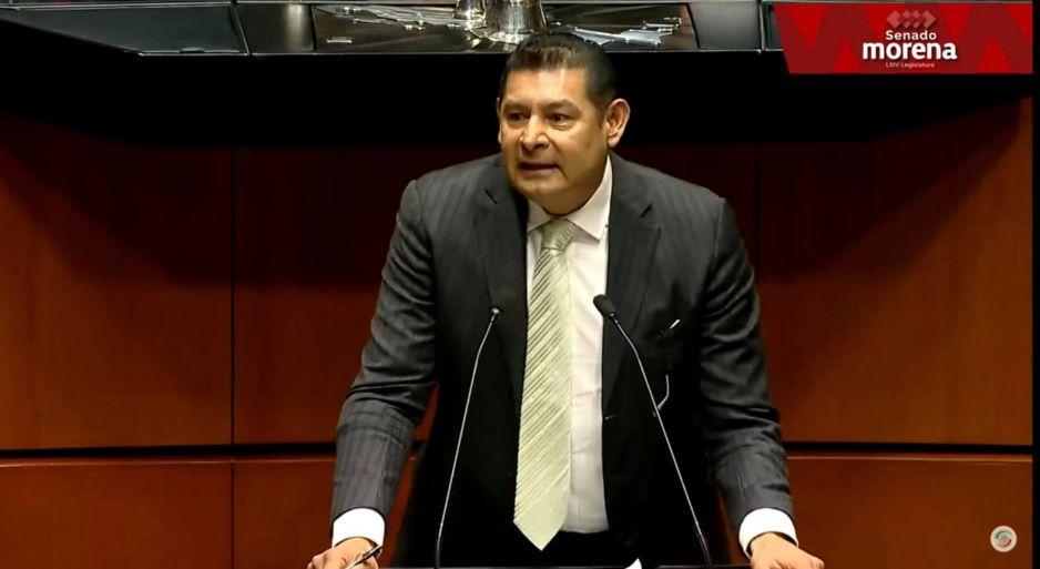 """Armenta pierde la cordura otra vez: llama """"perro"""" a diputado federal de Morena y se lía a insultos"""