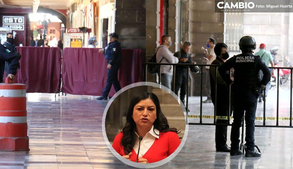 Con granaderos y vallas; Claudia terminó su gobierno encerrada en el Palacio Municipal (VIDEO)