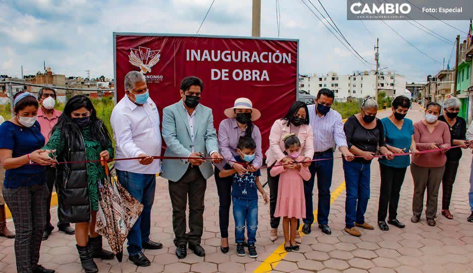 Inaugura Lupita Daniel pavimentación de calle Allende en Cuautlancingo