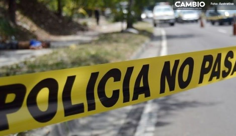 ¡Trágico final! Asesinan a Fidel de una puñalada durante riña en Tlaola