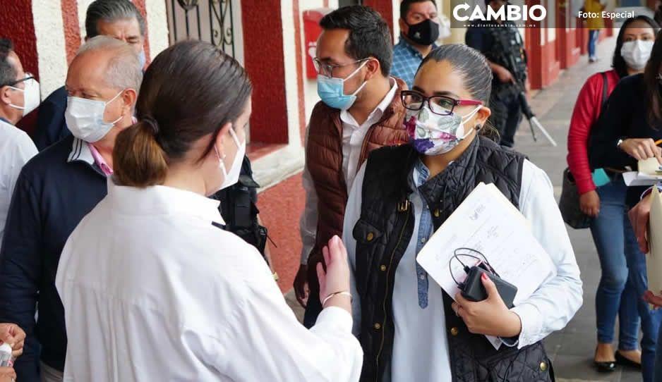 Lupe Vargas usurpa funciones y realiza evaluaciones tras el paso de Grace con autoridades estatales