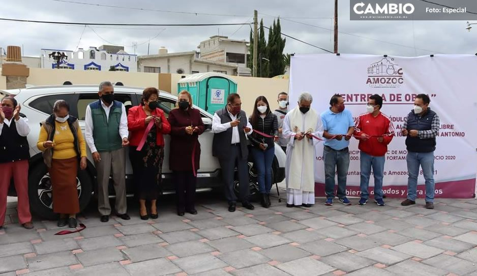 Gobierno de Amozoc entrega construcción del Atrio en el barrio San Antonio
