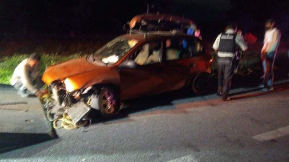 Borracho se estampa contra cuatro taxis y un motociclista en la Central de Abastos de Huixcolotla
