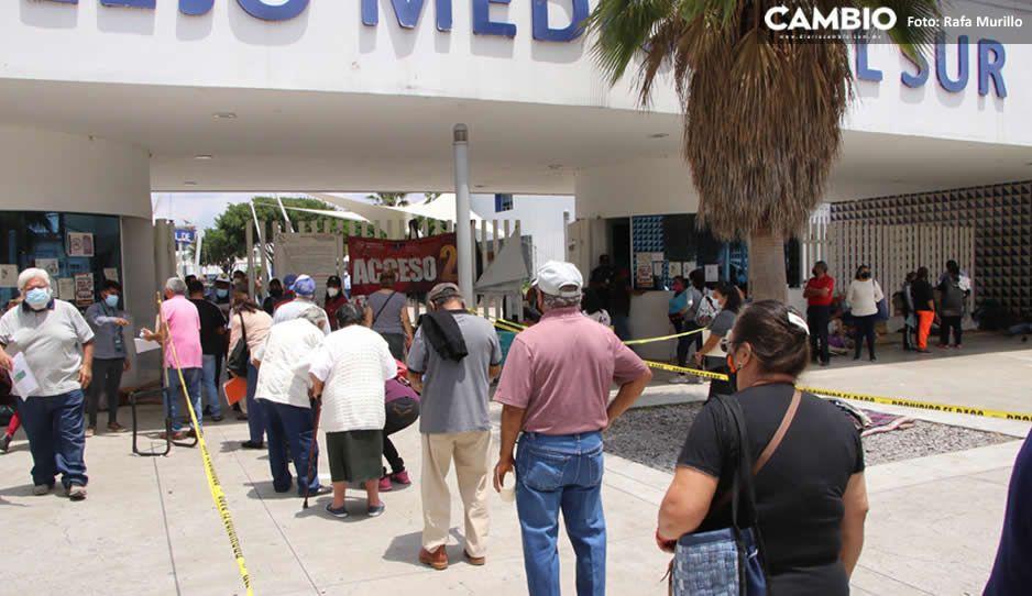 ¡El colmo! Cobran hasta 500 pesos por apartar lugar para vacuna vs Covid en Hospital del Sur