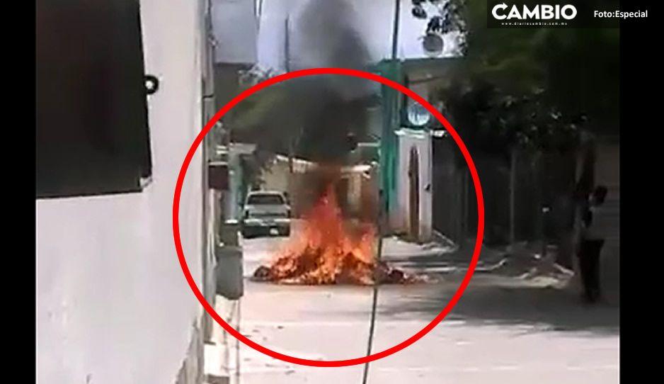 Sacan boletas electorales del Consejo Municipal del IEE y les prenden fuego en Coxcatlán (VIDEO)