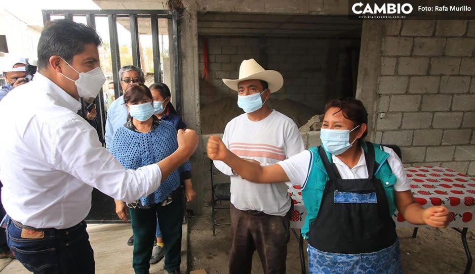 Con los brazos abiertos reciben a Eduardo Rivera candidato del PRIANRD en Azumiatla (VIDEO)