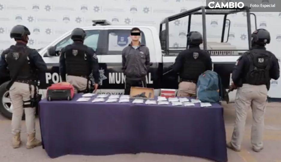 Con 19 armas en la mochila, detienen a estudiante de la BUAP en la CAPU