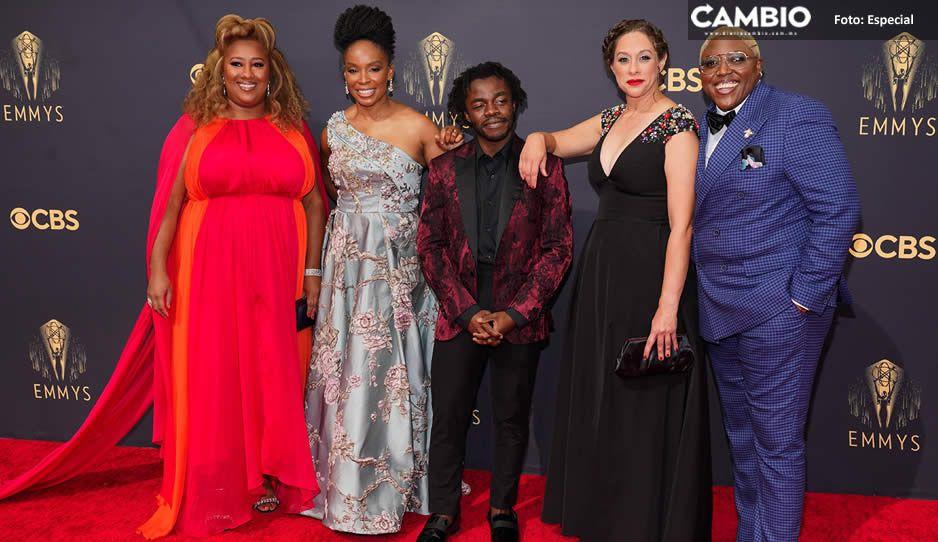 FOTOS: Celebridades presumen mejores atuendos en alfombra roja de los Emmy