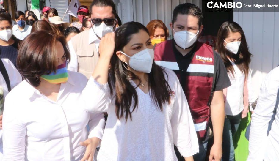 Claudia lucra con vacunas anticovid para promocionarse en San Bartolo