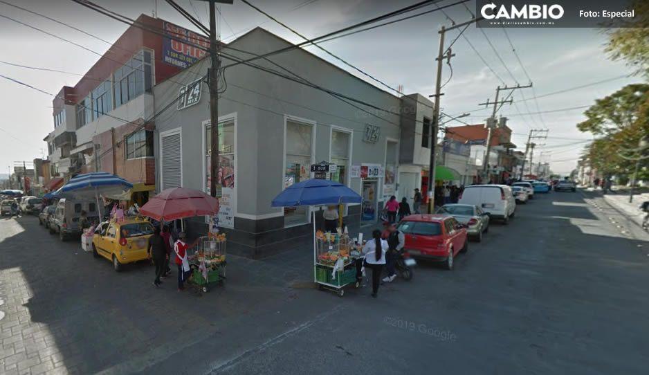 Imparable el robo de autos en Tecamachalco; se llevan un Tsuru cerca de la presidencia municipal