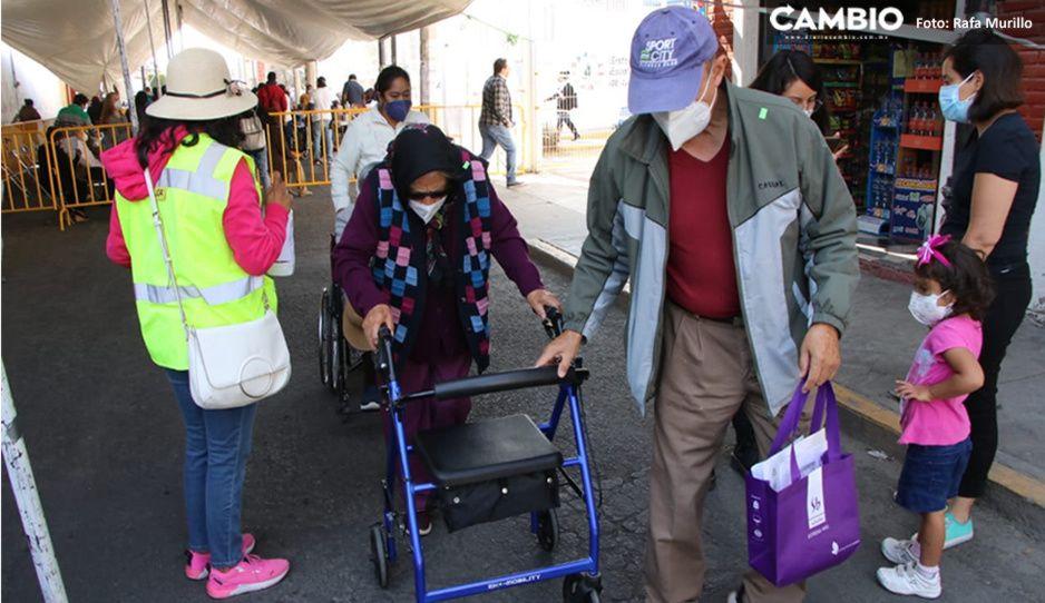 En orden y con agilidad transcurre vacunación de abuelitos en San Andrés Cholula (FOTOS)