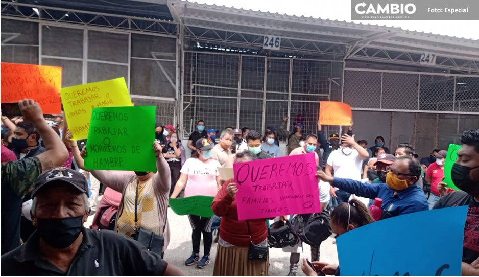 'Moriremos de hambre': comerciantes exigen reapertura del tianguis de Texmelucan