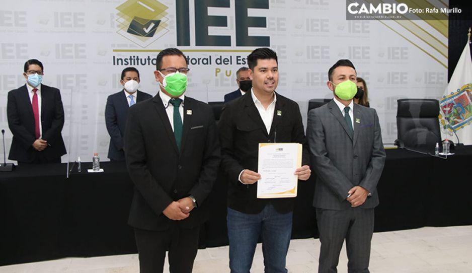 Entregan constancia como diputados pluris a Jimmy Natale, Carlos Navarro y Fátima Taboada