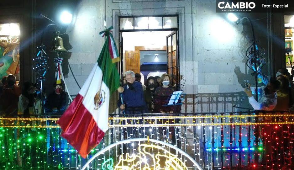 Con casi mil asistentes, Carlos Peredo celebra el Grito en Teziutlán