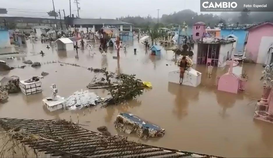 """VIDEO: ¡Bajo el agua! Así quedó un panteón de Veracruz por Huracán """"Grace"""""""