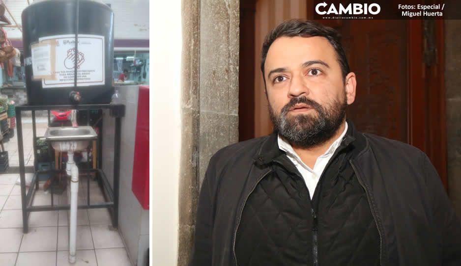 René pagó 5 mil 800 pesos por un tinaco y tubos para ponerlos de lavamanos en mercados