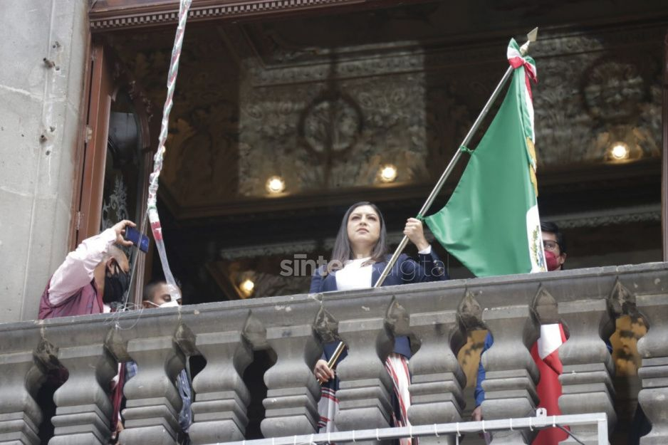 Claudia se prepara para dar su primer Grito; ensaya en el Palacio Municipal (FOTO)