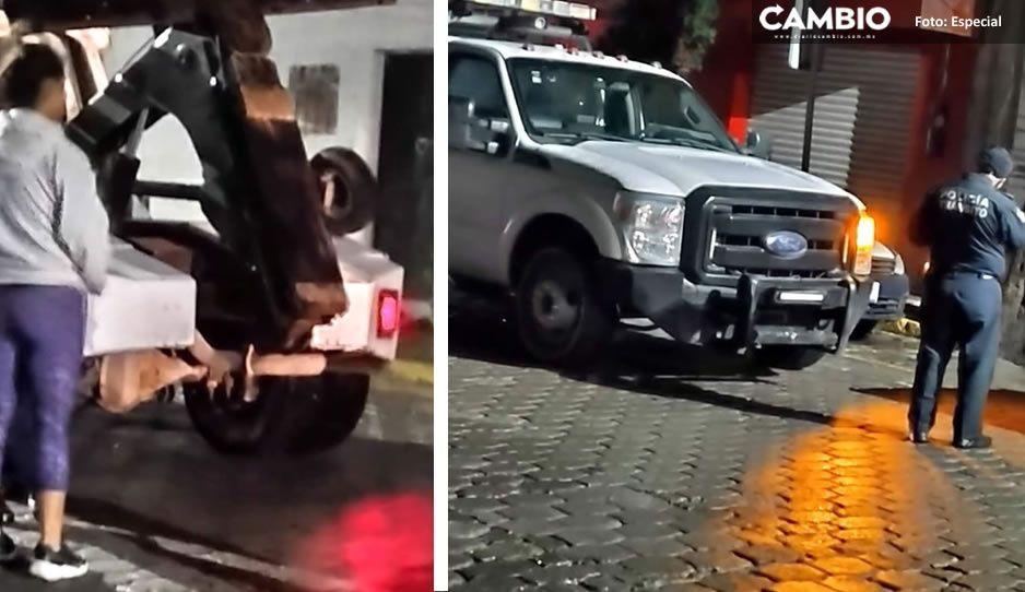 ¡El colmo! Ayuntamiento de Tehuacán trabaja con grúas pirata; carecen de placas