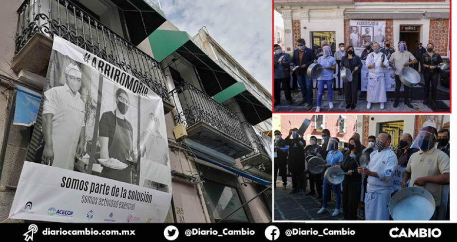A punta de cazuelas, restaurantes y hoteles piden al gobierno reabrir comercios formales (VIDEOS)