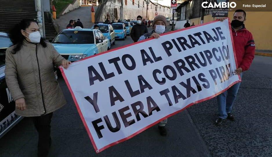 Taxistas de Teziutlán se manifestaron; exigen a las autoridades saquen las unidades pirata