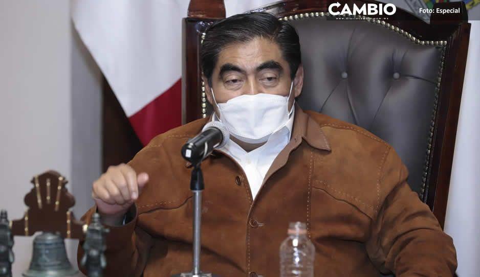 Critica Miguel Barbosa entrega de bases a los allegados de Claudia Rivera (VIDEO)