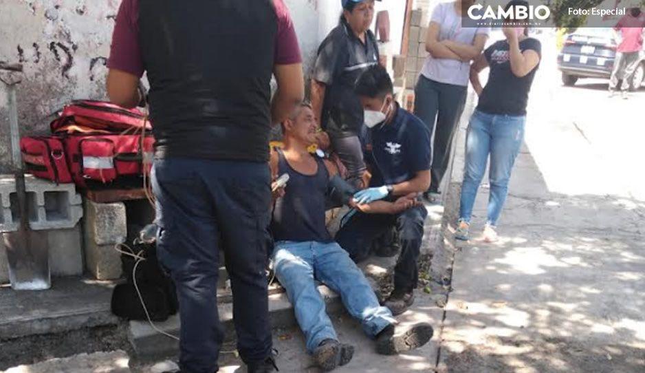 Se salva de milagro; Pedro se electrocutó con unos cables que tiró un camión de mudanzas en Atlixco