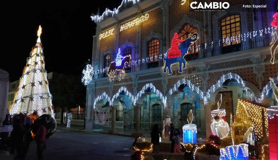 Artemio Caballero gastó medio millón por un árbol raquítico y adornos navideños reciclados