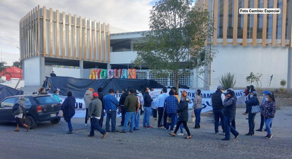 ¡Rebelión en Tecamachalco! pobladores se agrupan para evitar inauguración de mercado Ayocuan (FOTOS y VIDEO)