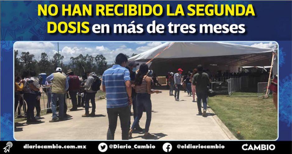 Poblanos de la Sierra Norte huyen a Hidalgo y Veracruz en busca de su vacuna antiCOVID