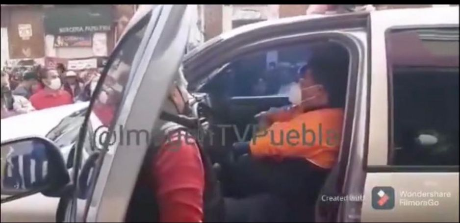 Comercios formales se rebelan vs Claudia: retienen a personal de Protección Civil para que no les clausuren (VIDEO)