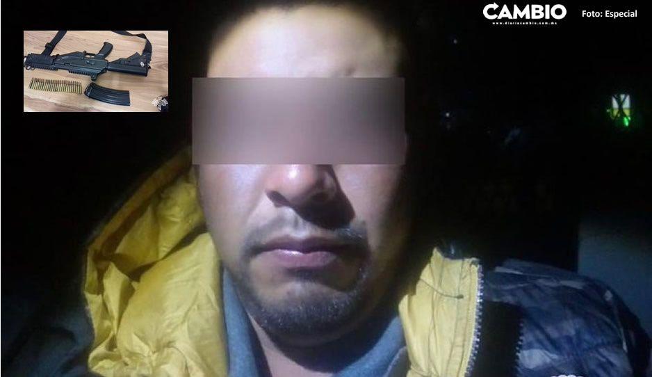Atrapan a Lauro de La Familia Michoacana con rifle de asalto en Izúcar