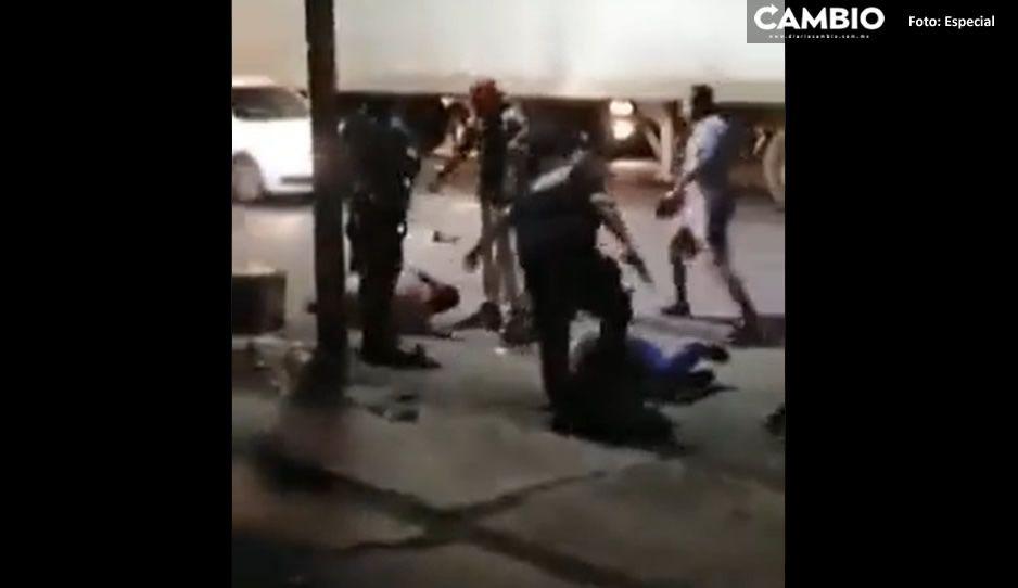 VIDEO: Pasajeros dan la golpiza de su vida a ladrones en la México-Texcoco