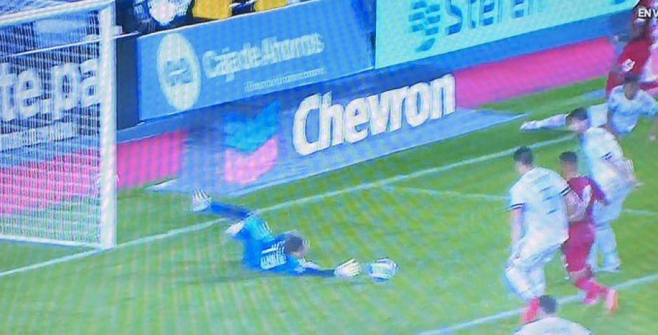 ¿Error de Paco Memo? Así abrió el marcador Panamá contra México (VIDEO)