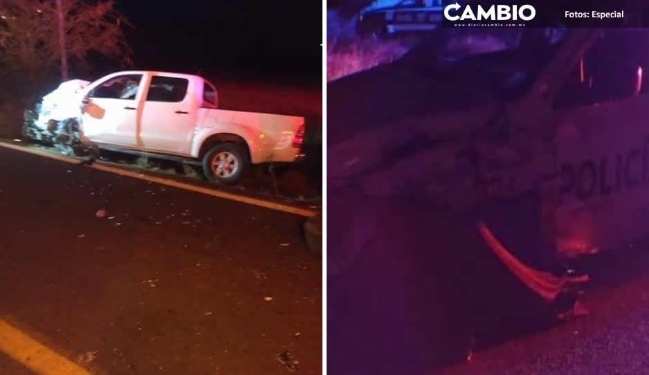 Por conducir a exceso de velocidad, polis estatales chocan y destrozan patrulla en Acatlán de Osorio