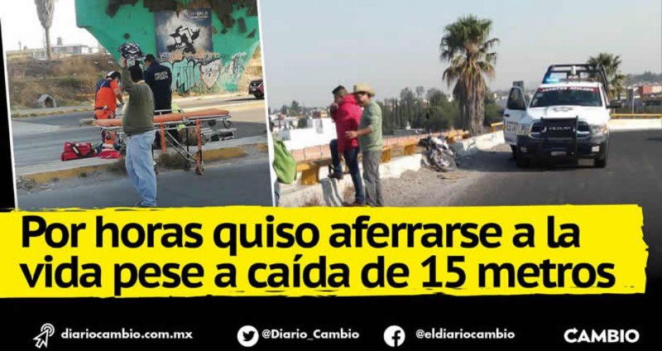 Muere motoclista que evitó choque pero cayó de un puente en el Periférico; deja a esposa embarazada (FOTOS)