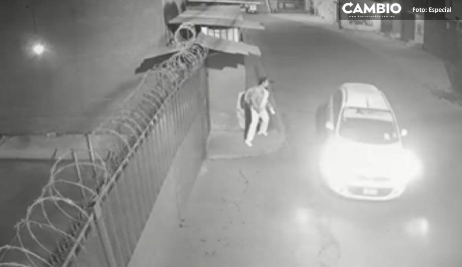 VIDEO: Así es como enfermera escapa de taxista que intentó secuestrarla en Edomex
